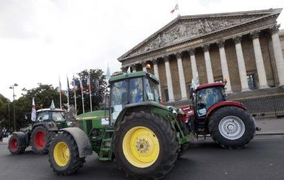 Les agriculteurs maintiennent la pression